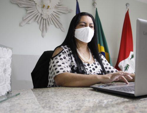 Prefeita de JATAÚBA Dra. Cátia Ribeiro consegue através da Compesa água nas torneiras para moradores do Bairro Bom Jesus.